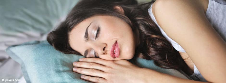 Los Centros Odontológicos Daldent se complacen en presentar el nuevo servicio de Medicina dental del Sueño por medio del cual abordaremos, desde el punto de vista odontológico, los trastornos respiratorios que se manifiestan durante el sueño y su relación con otras enfermedades neurológicas, metabólicas y cardiorrespiratorias.